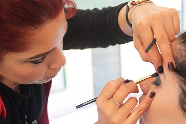 Tratamientos de belleza - maquillaje